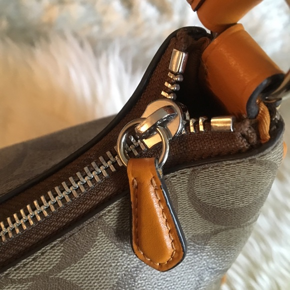 Coach Handbags - AUTHENTIC VERY GENTLY USED COACH BAG